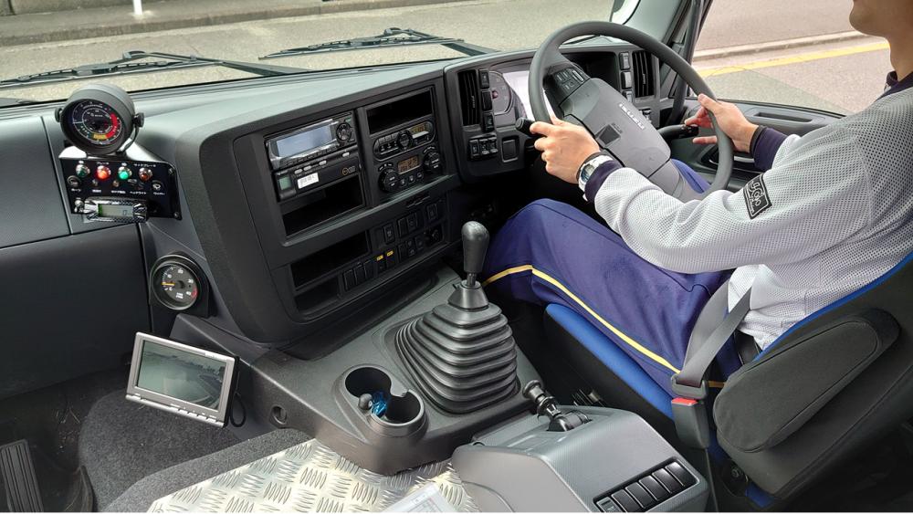 大型免許 教習車両はいすゞのGIGA