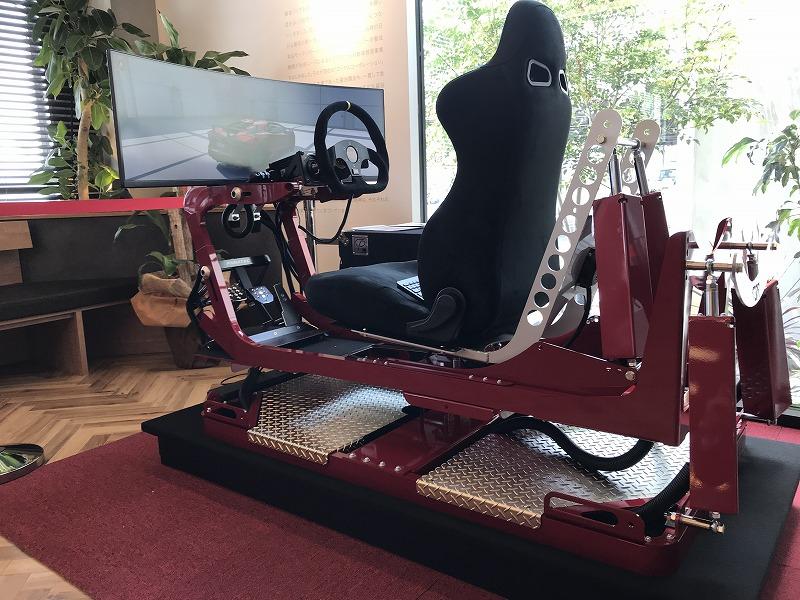 VRドライブシュミレーター ロイヤルドライビングスクール広島 ロイヤルコーポレーション 自動車免許 5G